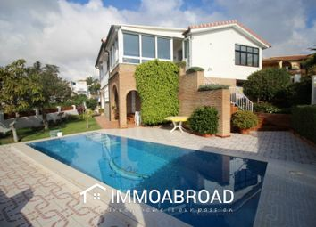 Thumbnail 5 bed villa for sale in Caleta De Vélez, Málaga, Spain
