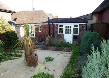 Thumbnail 1 bed flat to rent in Duncans Yard, Westerham