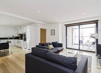 Thumbnail 3 bedroom flat to rent in Lattice House, Alie Street, London