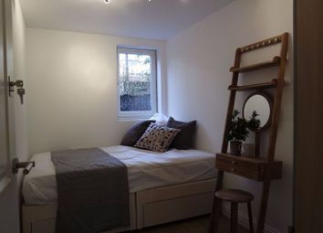 Thumbnail Room to rent in Salisbury Walk, London