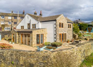 Thumbnail 3 bed detached house for sale in Cinderhills Road, Holmfirth