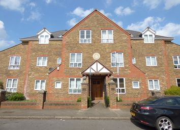 Thumbnail Flat to rent in Pyne Road, Tolworth, Surbiton