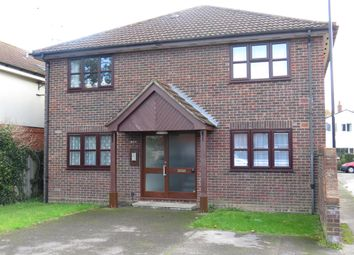 Pinegrove Road, Southampton SO19. 1 bed flat for sale