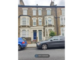2 bed flat to rent in Saltoun Road, London SW2