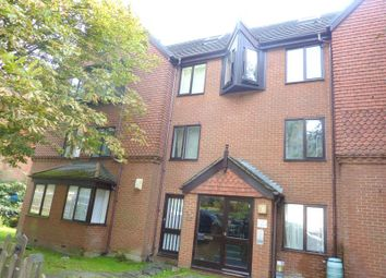 Thumbnail 2 bed flat to rent in De Cham Road, St. Leonards-On-Sea