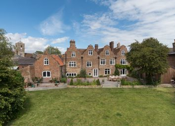 New Street, Sandwich, Kent CT13. 6 bed detached house