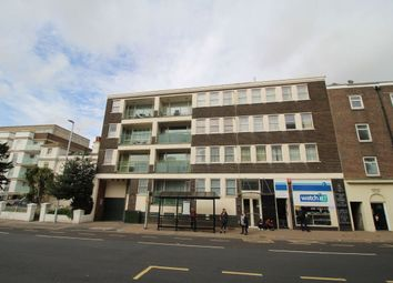 2 bed flat to rent in Trinity Trees, Eastbourne BN21