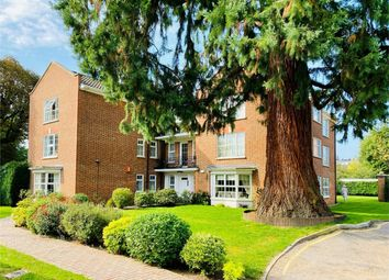 3 bed flat for sale in Phyllis Court Drive, Henley-On-Thames RG9