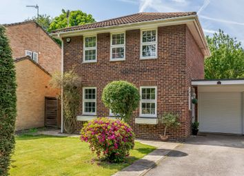 4 bed property for sale in Cumberland Avenue, Guildford GU2