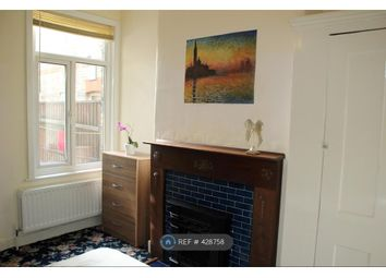 Thumbnail Room to rent in Woodside Road, London