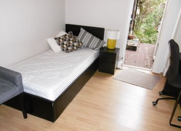 Thumbnail Room to rent in 87 Kensington Road, Reading