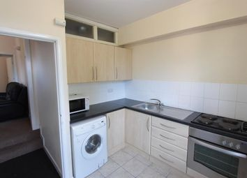 Thumbnail 4 bed flat to rent in Southgrove Road, Sheffield