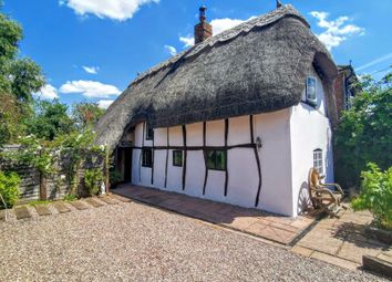 Risborough Road, Stoke Mandeville, Aylesbury HP22. 3 bed cottage for sale