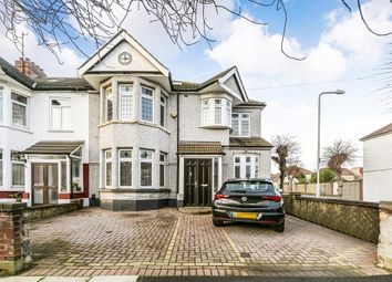 Thumbnail 5 bedroom end terrace house for sale in Collinwood Gardens, Ilford