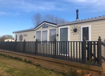 2 bed mobile/park home for sale in Crow Lane, Little Billing, Northampton NN3