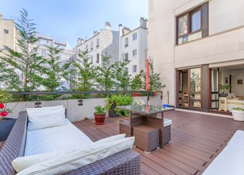 Thumbnail 2 bed apartment for sale in Levallois-Perret, Paris Suburbs, Paris