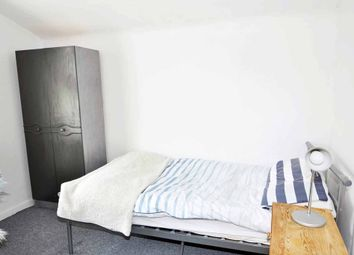 Thumbnail Room to rent in Chiswick High Road, Chiswick, London