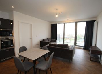 2 bed flat to rent in Broadside, Oldham Road, New Cross M4