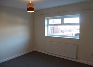 Thumbnail 1 bed flat to rent in Hollins Rd, Oldham