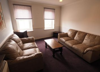 2 bed flat to rent in Phoenix House, High Street, Hull HU1