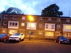 Thumbnail 1 bed flat to rent in Ranald Gardens, Rutherglen, Glasgow