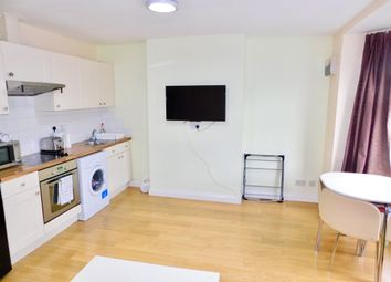 Thumbnail 2 bed flat to rent in Barclay Street, Leicester