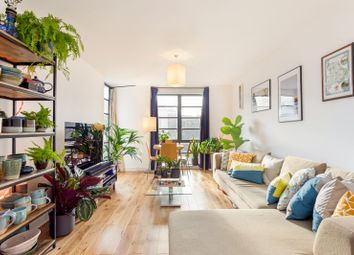 Thumbnail 2 bed flat for sale in De Beauvoir Crescent, De Beauvoir, London