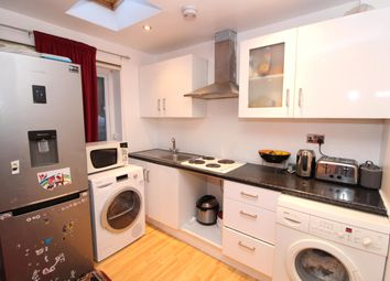 Thumbnail 1 bed flat to rent in Kingswood Drive, Carshalton