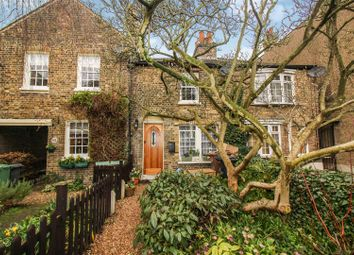 Thumbnail 2 bed cottage for sale in Forest Rise, London