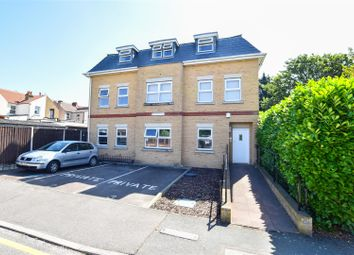 2 bed flat to rent in Victoria Road, Bexleyheath DA6