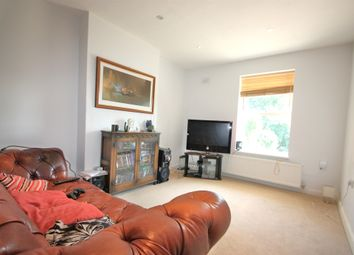 Thumbnail 2 bed flat to rent in Avondale Road, South Croydon