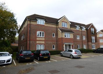 Thumbnail 2 bed flat to rent in Crawley Road, Horsham