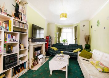 Thumbnail 3 bedroom property for sale in Meadow View Road, Thornton Heath