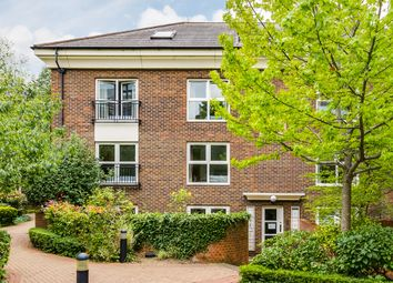 2 bed flat for sale in Melville Place, London N1