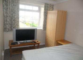 Thumbnail 1 bed flat to rent in Elvaston Way, Reading