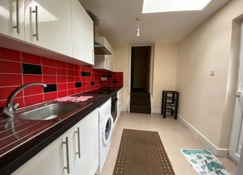 3 bed flat to rent in Portswood Park, Portswood Road, Southampton SO17
