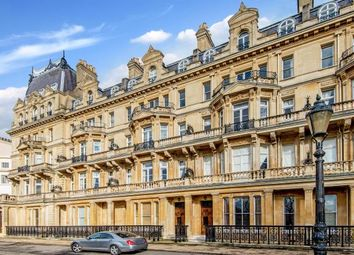 Thumbnail 6 bed property for sale in Cambridge Gate, Regents Park, London