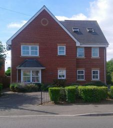Thumbnail 2 bed flat to rent in Southampton Road, Ringwood