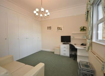 Thumbnail Studio to rent in Richmond Crescent, Staines