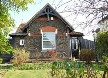 Thumbnail 2 bed detached house to rent in Moulsham Street, Chelmsford