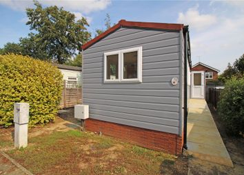2 bed mobile/park home for sale in Duffins Orchard, Ottershaw, Surrey KT16