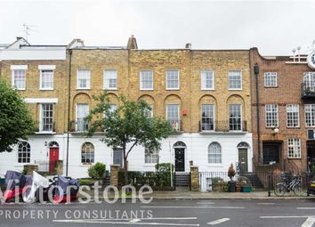Thumbnail 1 bed flat to rent in Barnsbury Road, Angel, London