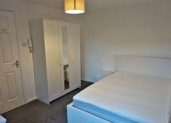 Thumbnail Room to rent in Holmsley Walk, Leeds