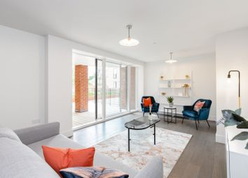 2 bed flat for sale in Sycamore Road, Amersham HP6