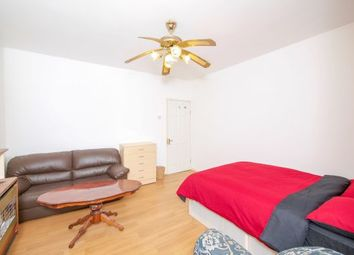 Room to rent in Old Castle St, London E1