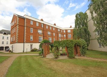 Thumbnail 2 bedroom flat to rent in Queens Reach, East Molesey