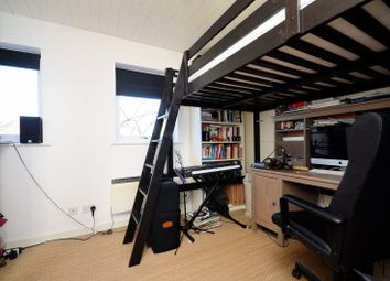 1 bed flat for sale in Whiteadder Way, London E14
