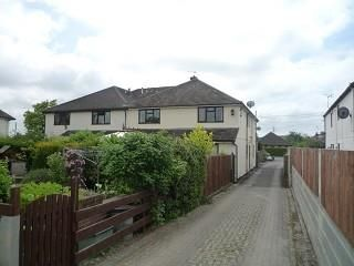 Thumbnail 2 bed flat to rent in Sutton Courtenay, Abingdon