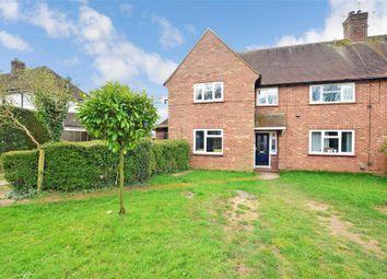 Wyphurst Road, Cranleigh, Surrey GU6. 2 bed maisonette