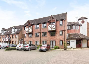 Thumbnail 2 bedroom flat for sale in Amersham, Buckinghamshire